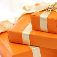 オレンジのギフトボックス
